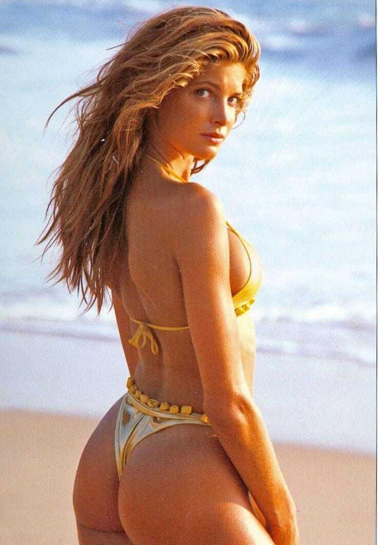 Stephanie Seymour big butt pic
