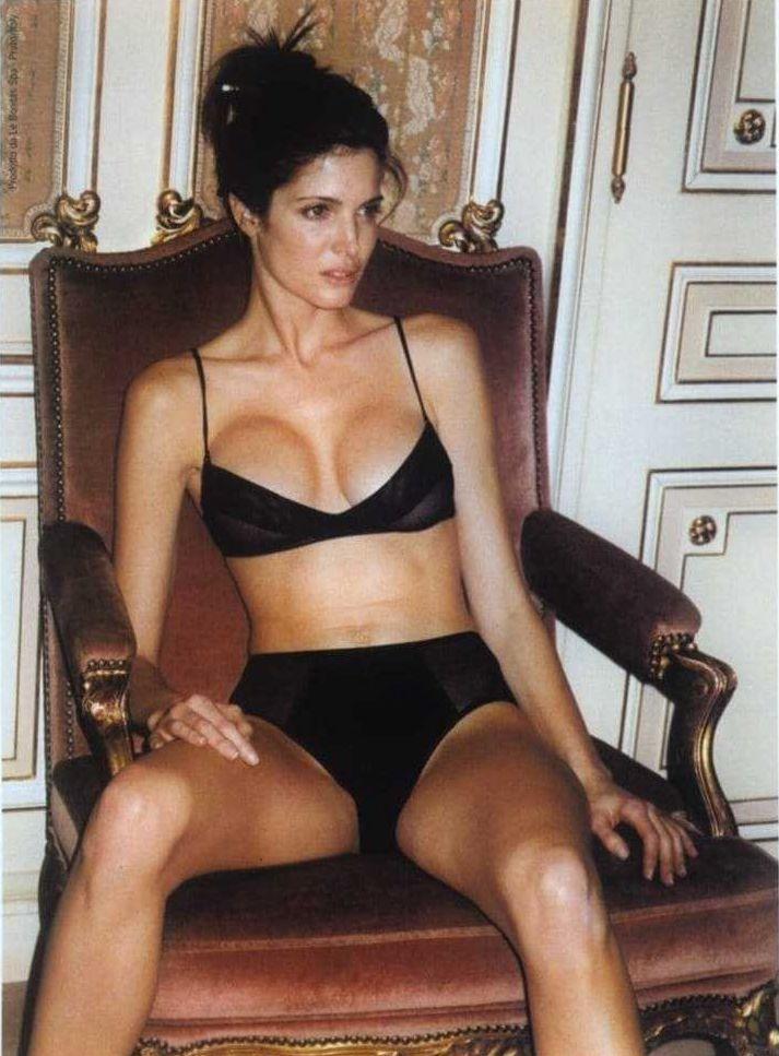 Stephanie Seymour hot bikini pic