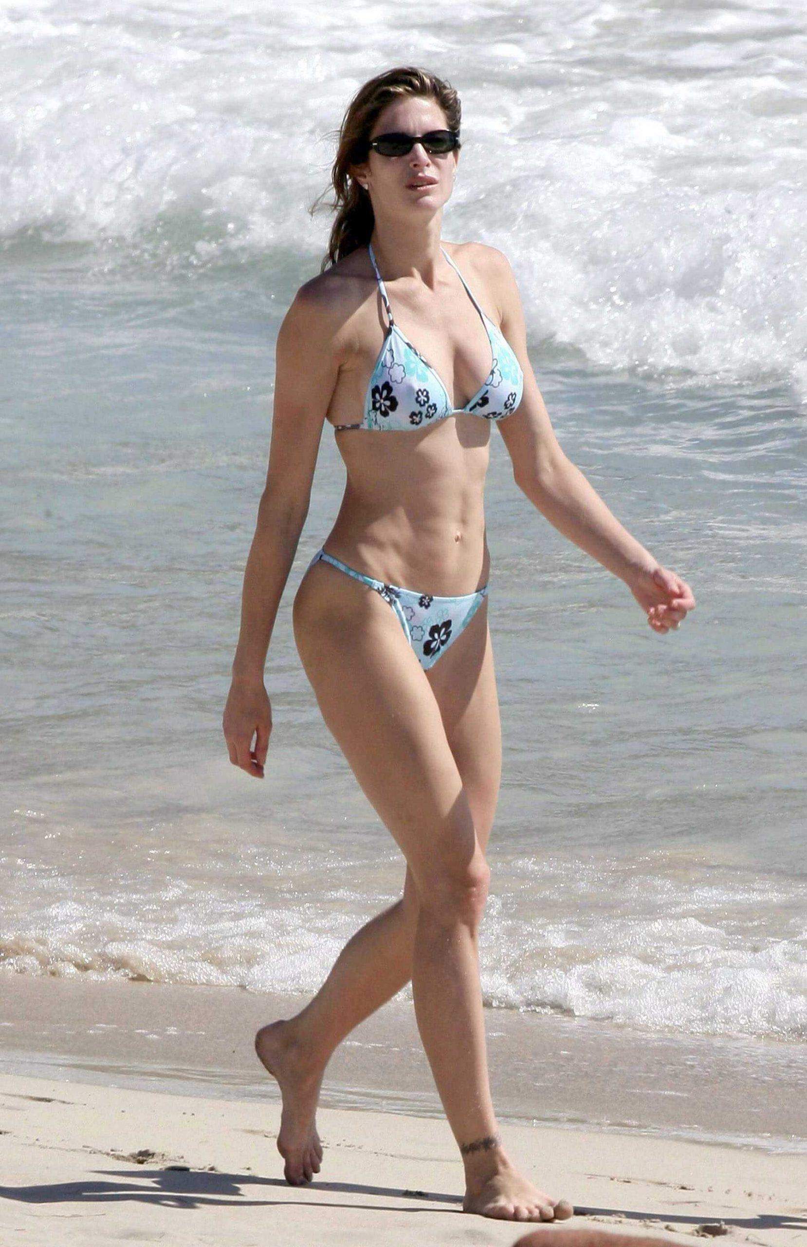 Stephanie Seymour sexy bikini pic