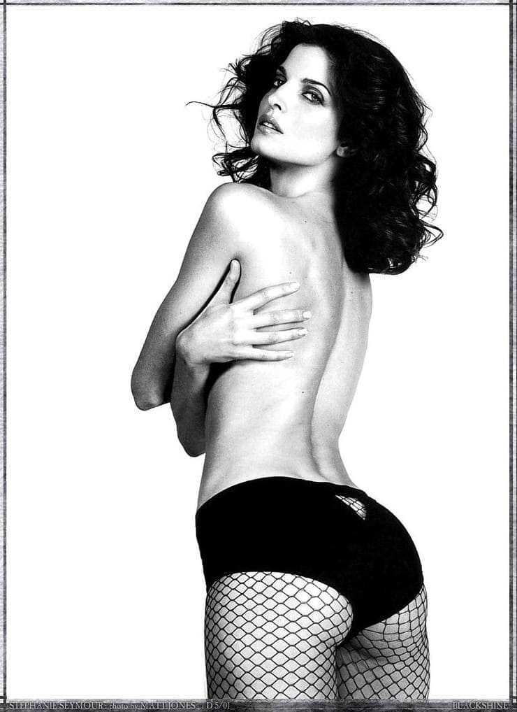 Stephanie Seymour sexy butt pic