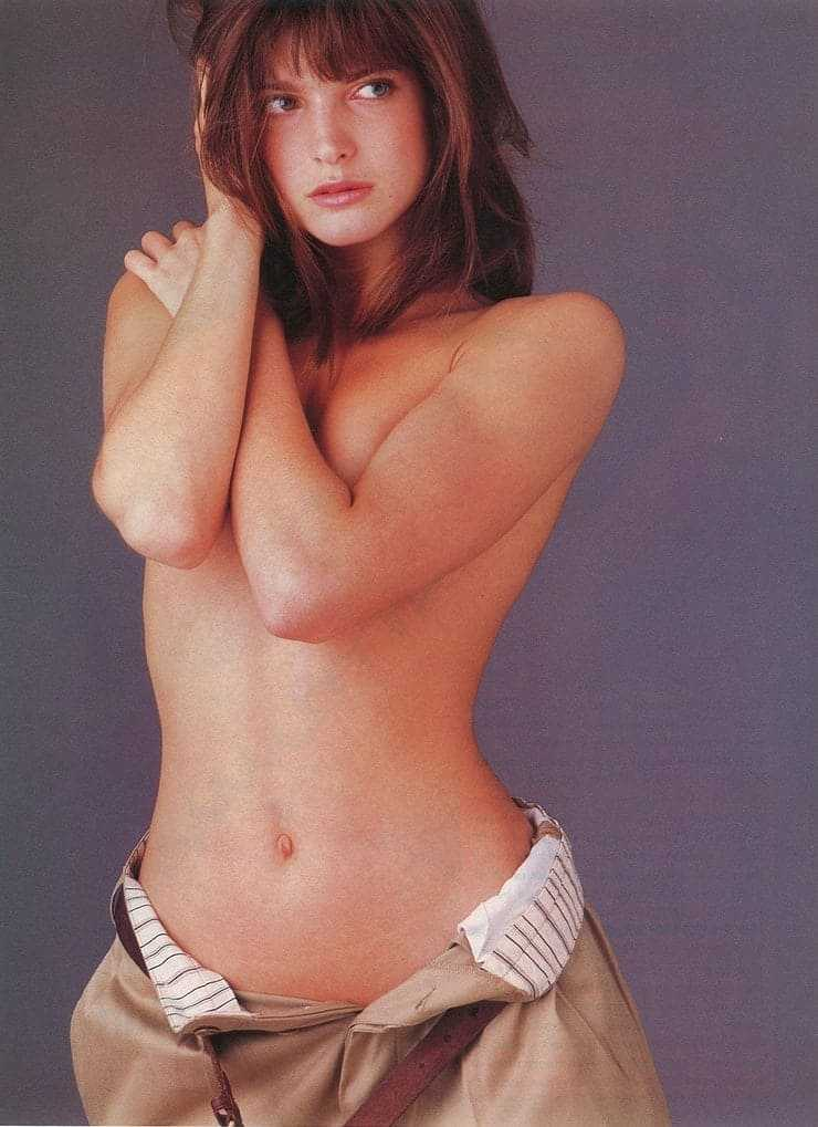 Stephanie Seymour topless pic