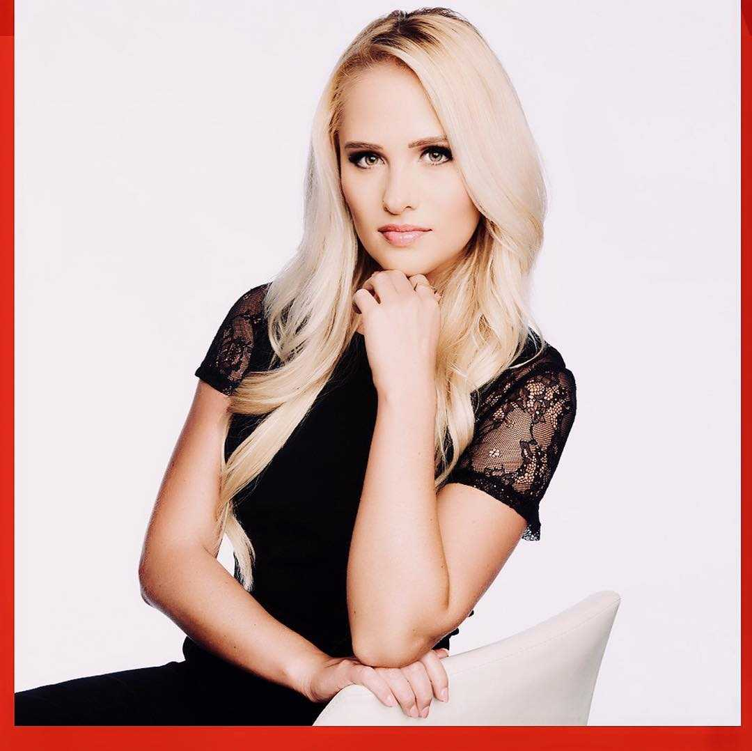 Tomi Lahren hot photo