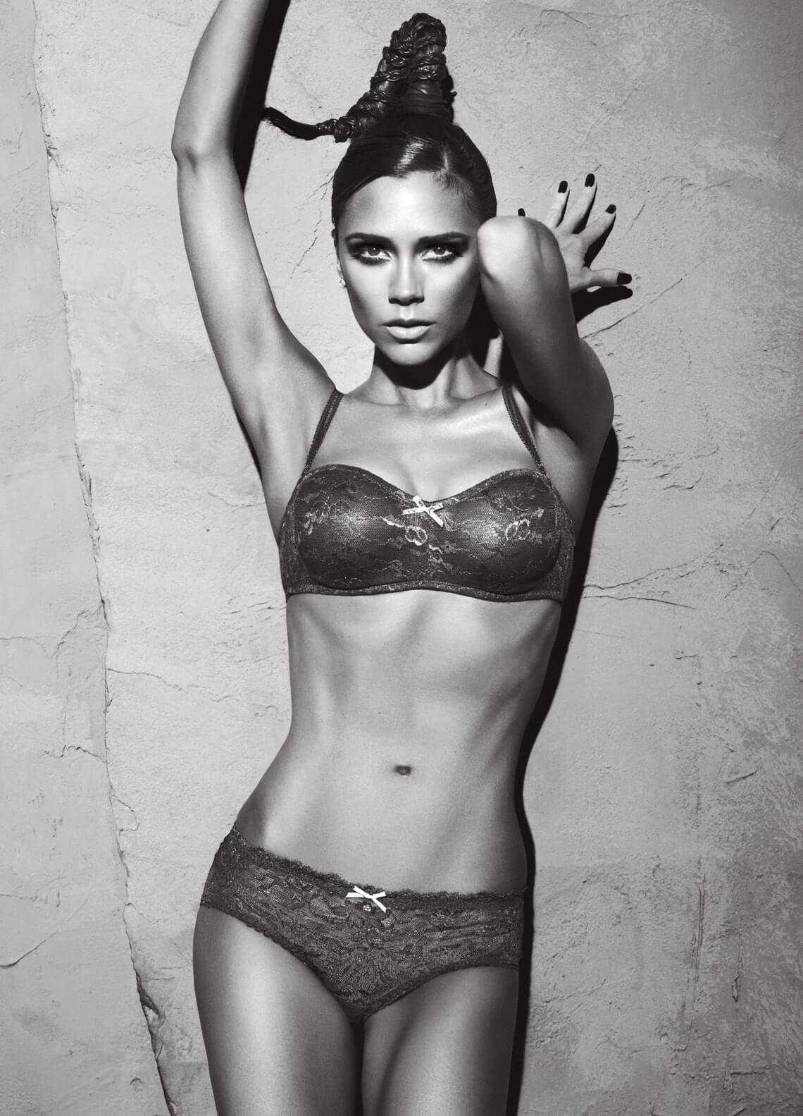 Victoria Beckham hot bikini pic