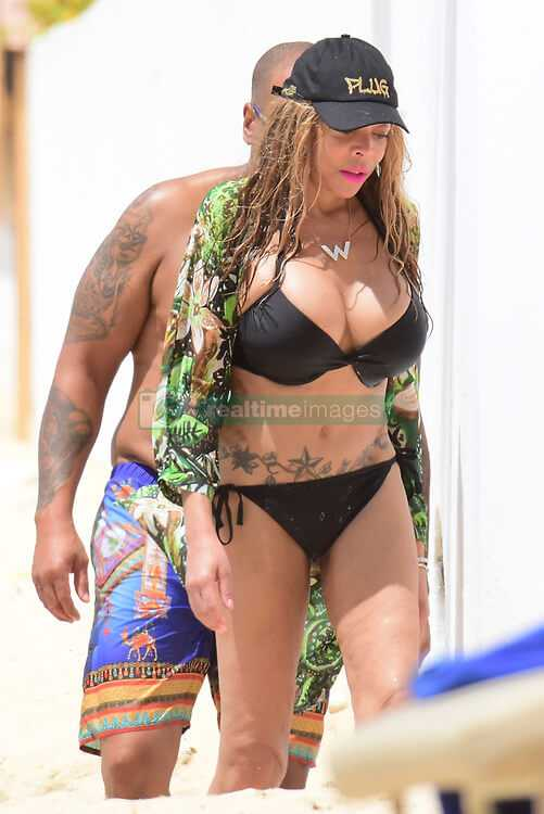 Wendy Williams black bikini pic