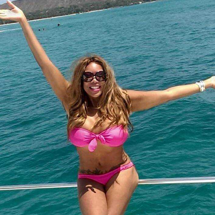 Wendy Williams hot bikini pic
