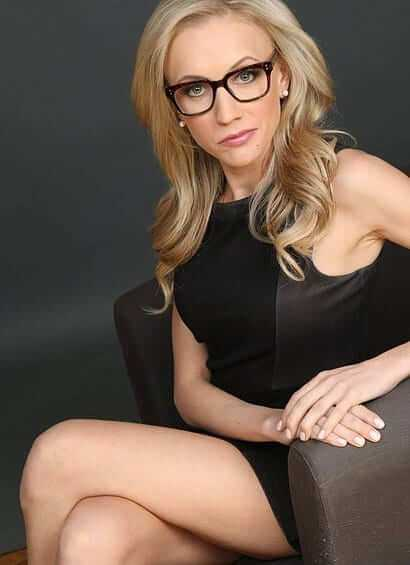 katherine timpf sexy thighs pic