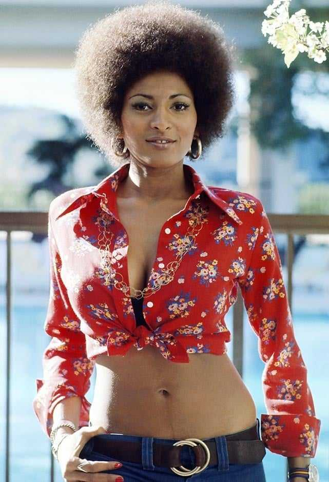 pam grier sexy cleavage