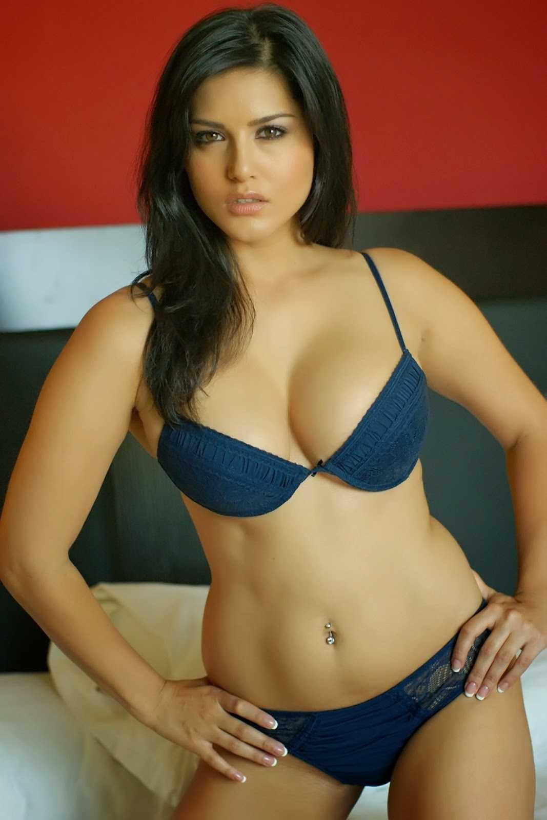 sunny leone hot bikini pic