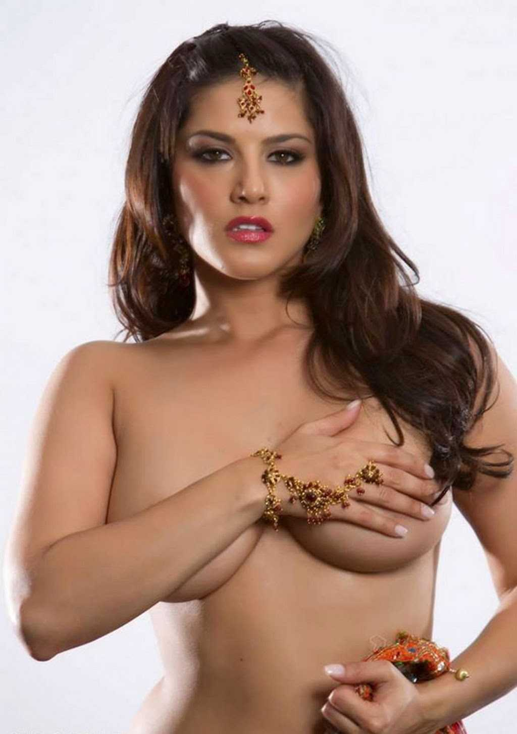 sunny leone hot topless pic