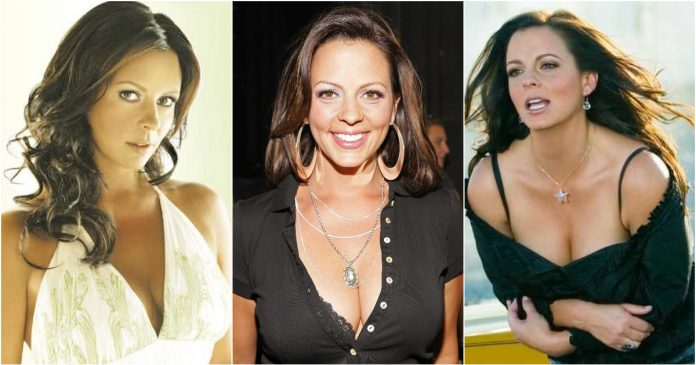 56 Hottest Sara Evans Boobs Pictures Are Arousing And Appealing