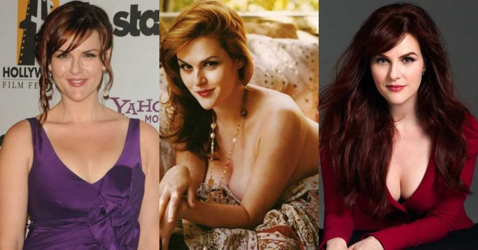 61 Hottest Sara Rue Boobs Pictures Will Tempt You To Hug Her Tightly