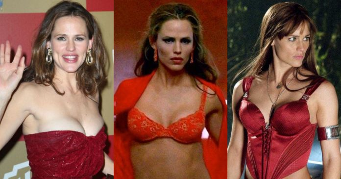 61 Sexiest Jennifer Garner Boobs Pictures Are Sexually Raunchy