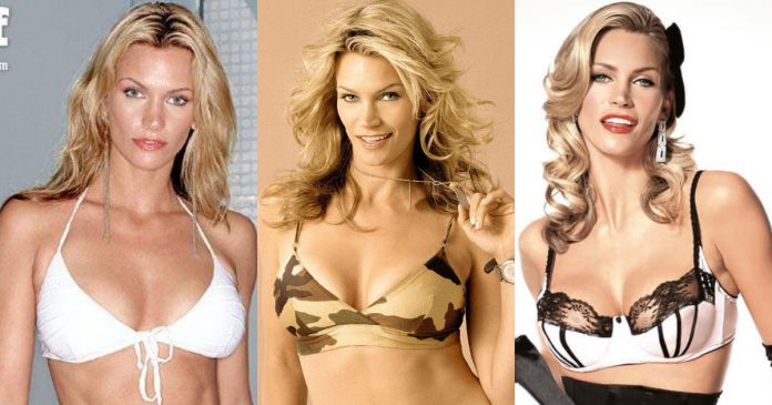 61 Sexiest Natasha Henstridge Boobs Pictures Can Have You Hypnotized