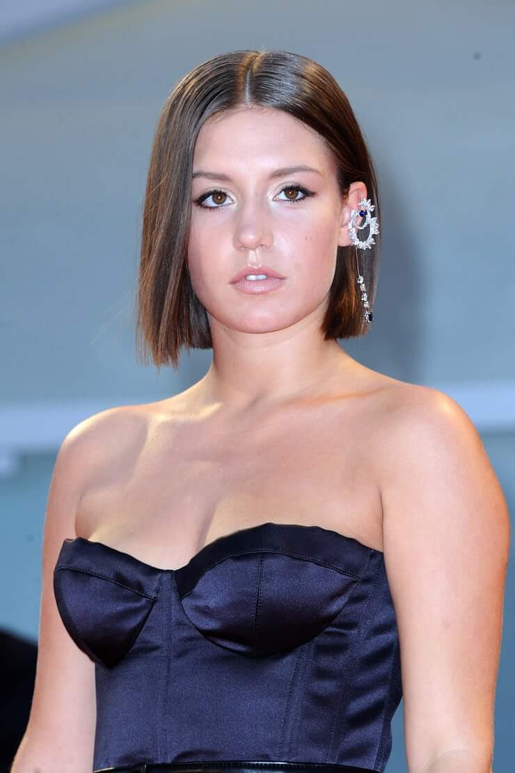 Adèle Exarchopoulos busty pics (2)