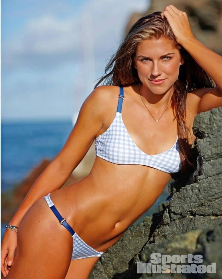 Alex Morgan sexy tits pics