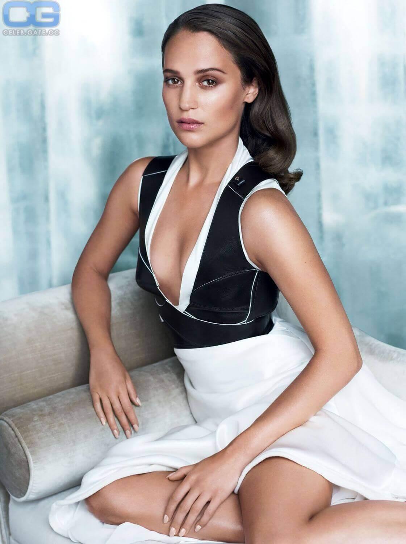 Alicia Vikander hot cleavage