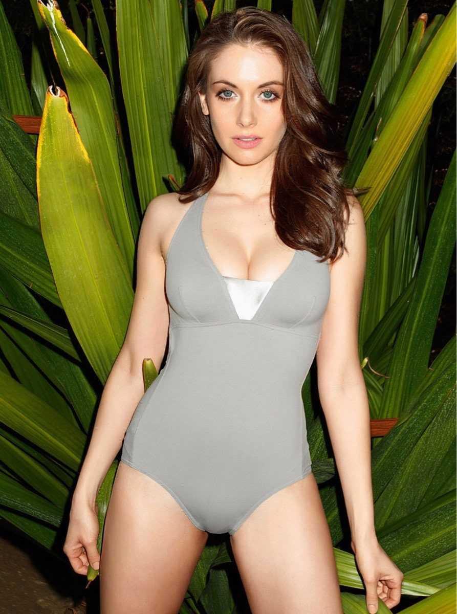 Alison Brie lingerie pics