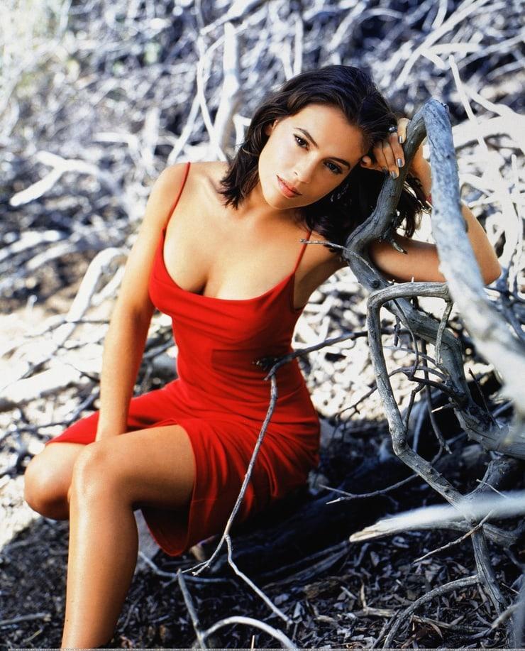 Alyssa Milano sexy red dress pics