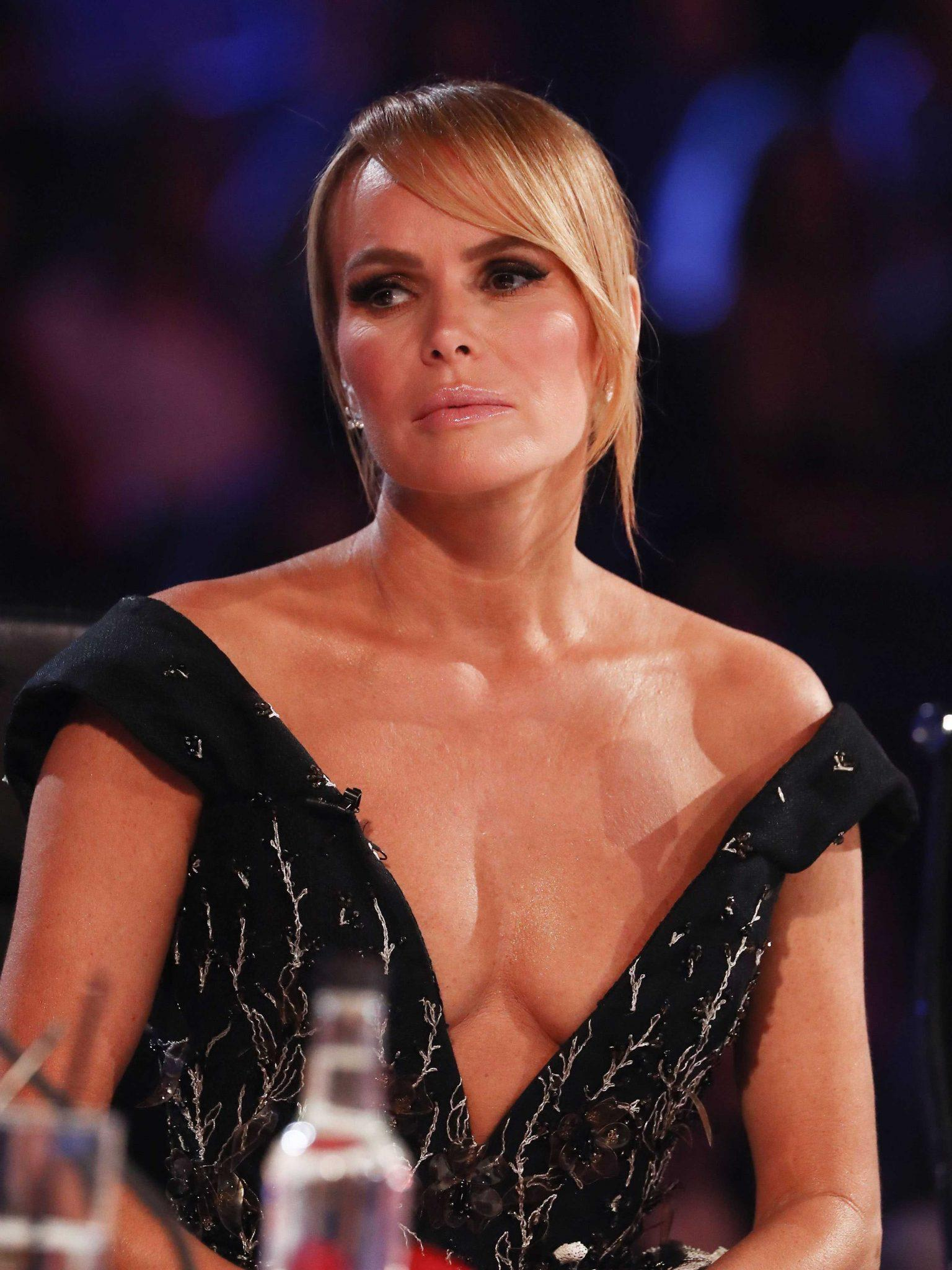 Amanda Holden cleavage pic