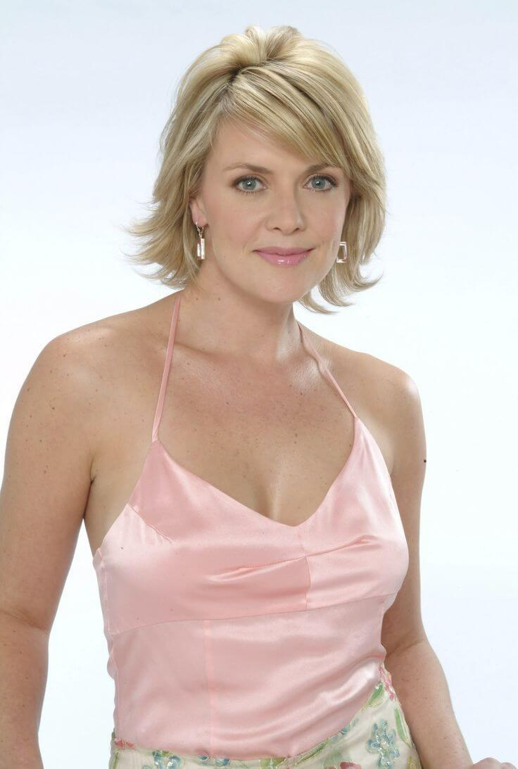 Amanda Tapping cleavage pic