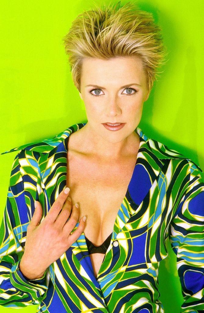 Amanda Tapping hot look