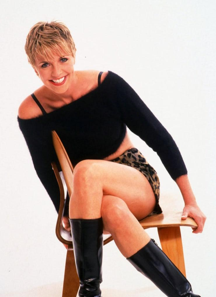 Amanda Tapping sexy thighs