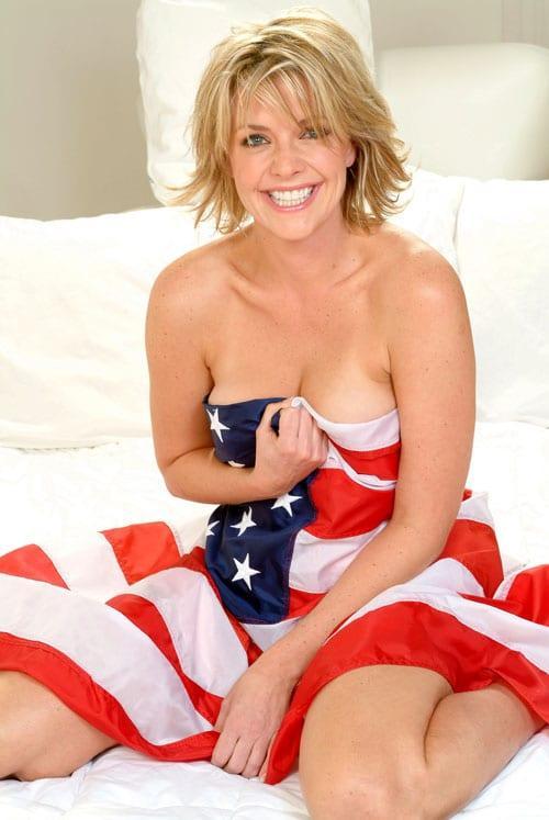 Amanda Tapping sexy