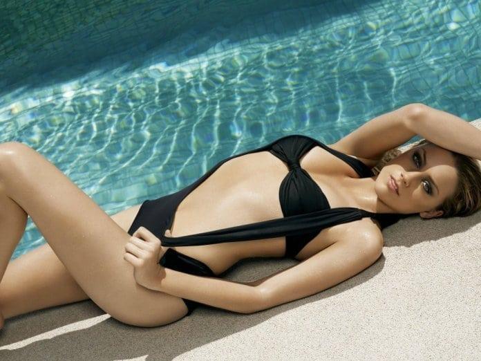 Amber Heard hot pic