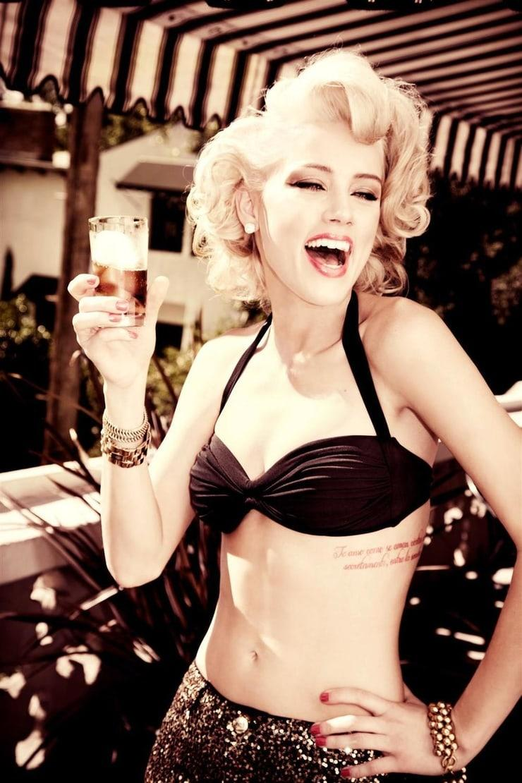 Amber Heard sexy pic