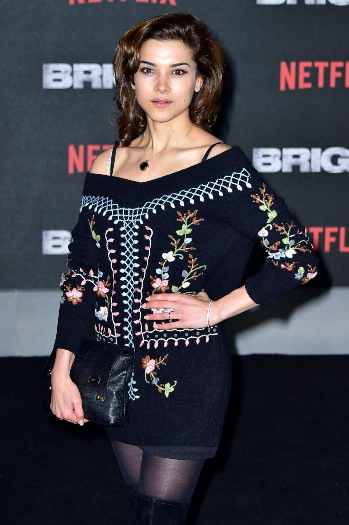 Amber Rose Revah hot pictures