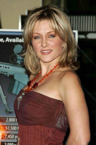 Amy Carlson tits