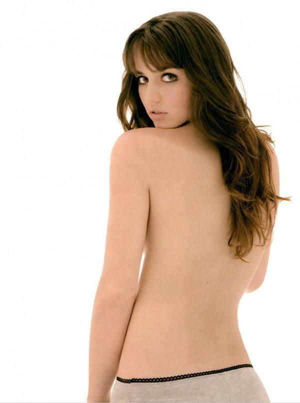 Ana de Armas sexy backless pics