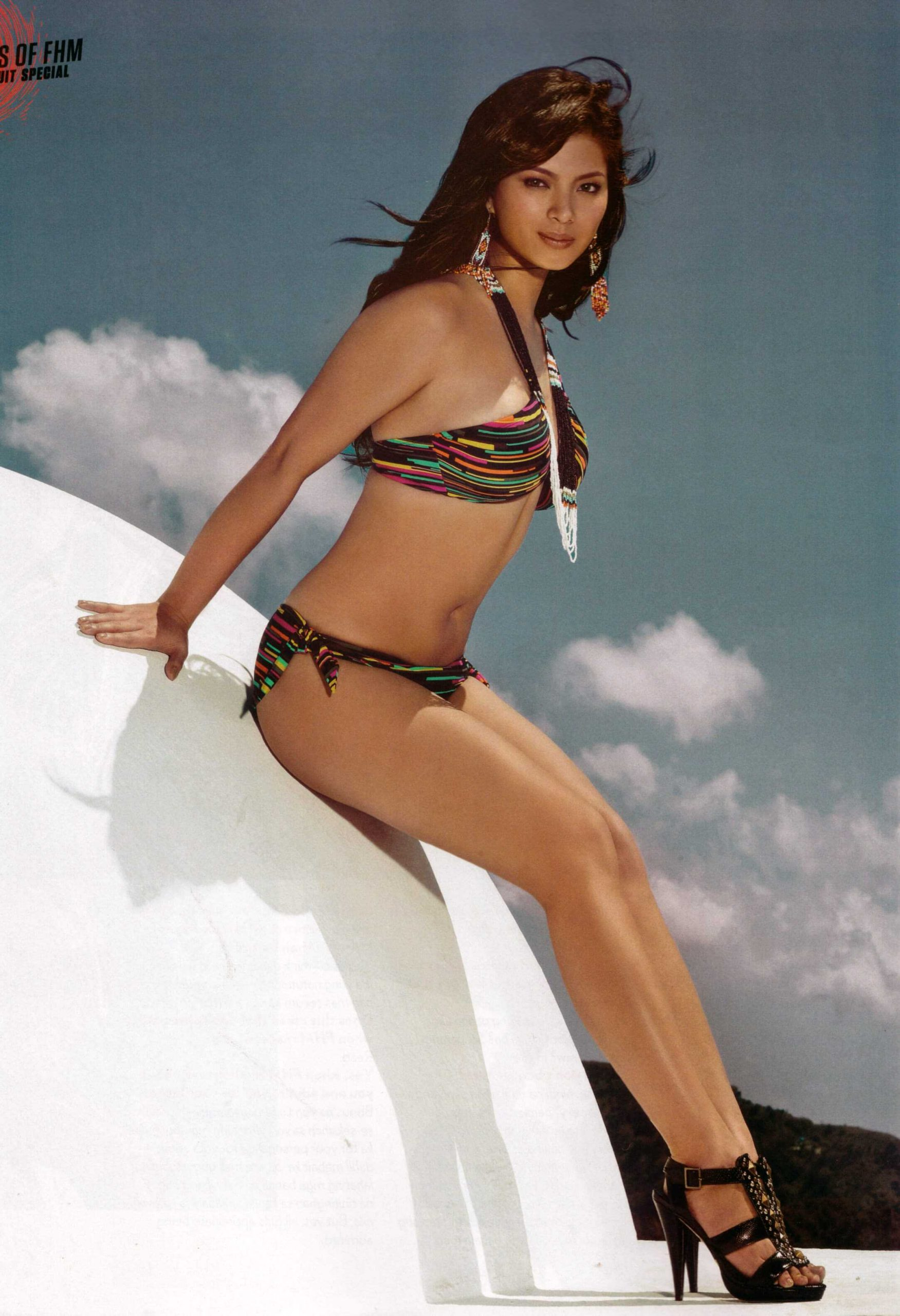 Angel Locsin bikini pics