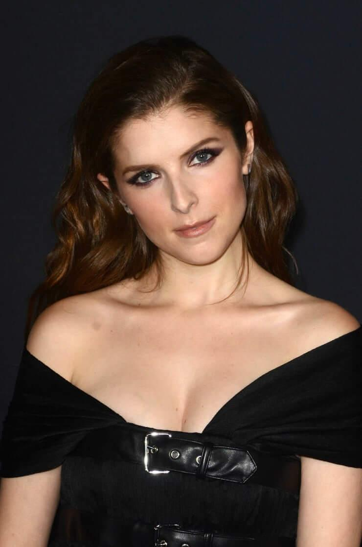 Anna Kendrick hot pictures