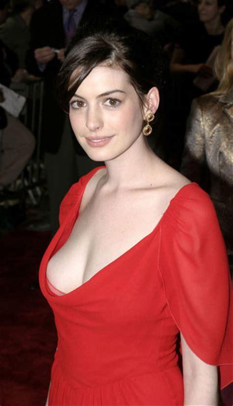 Anne Hathaway amazing pics