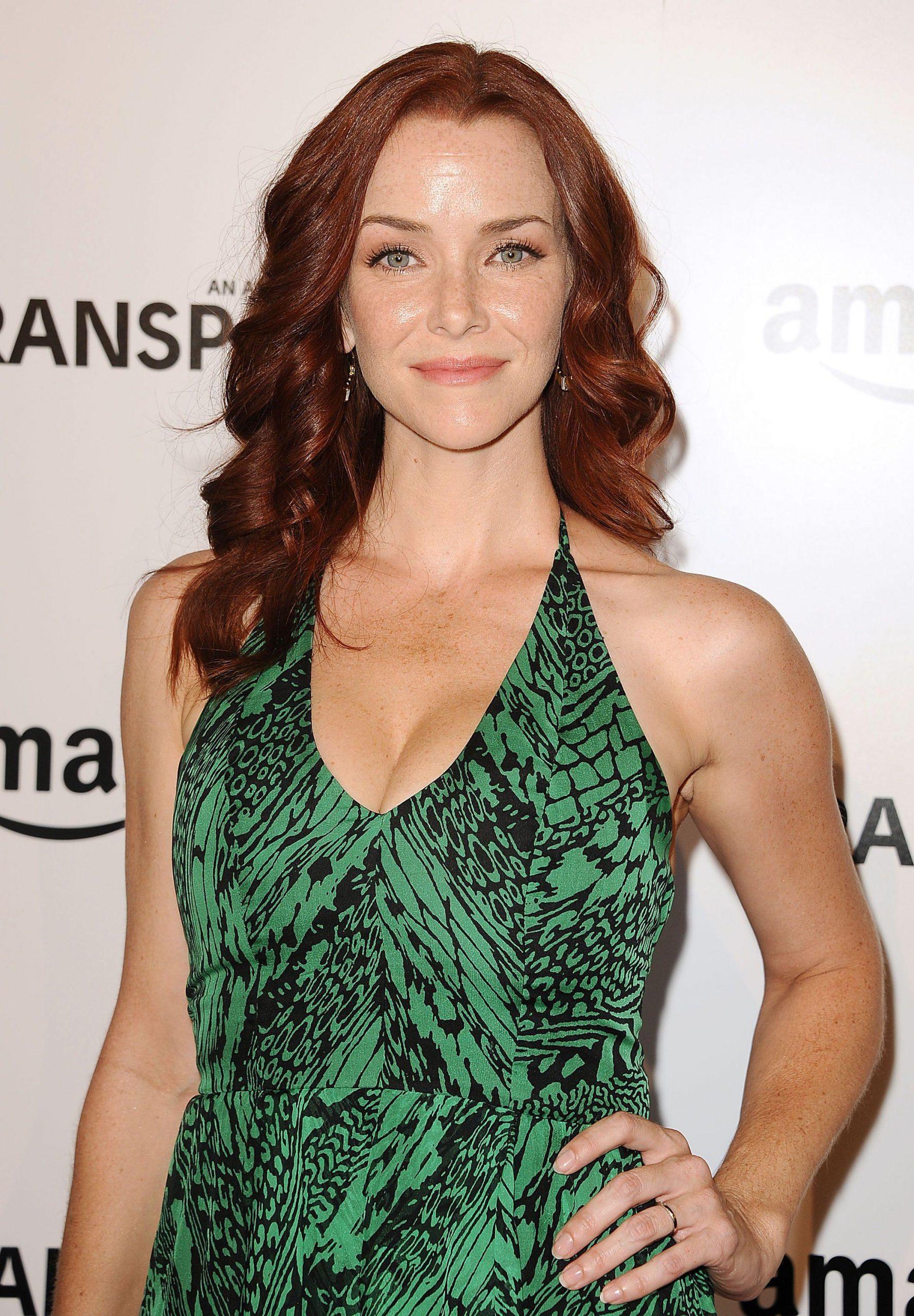Annie Wersching sexy look pics