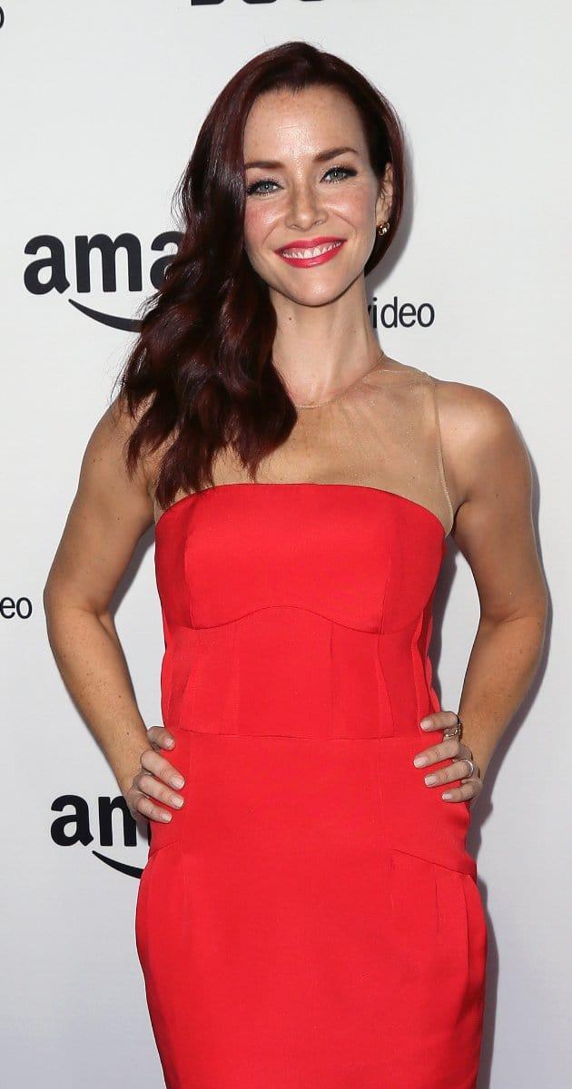 Annie Wersching sexy red dress pics