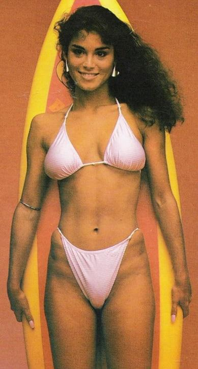 Betsy Russell hot bikini pics