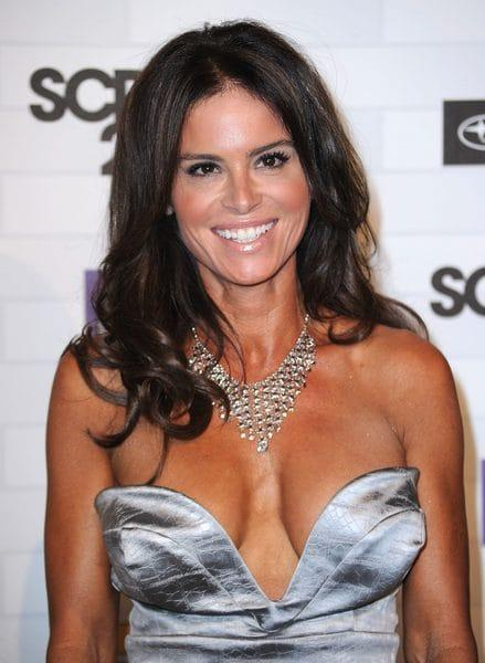 Betsy Russell hot pics