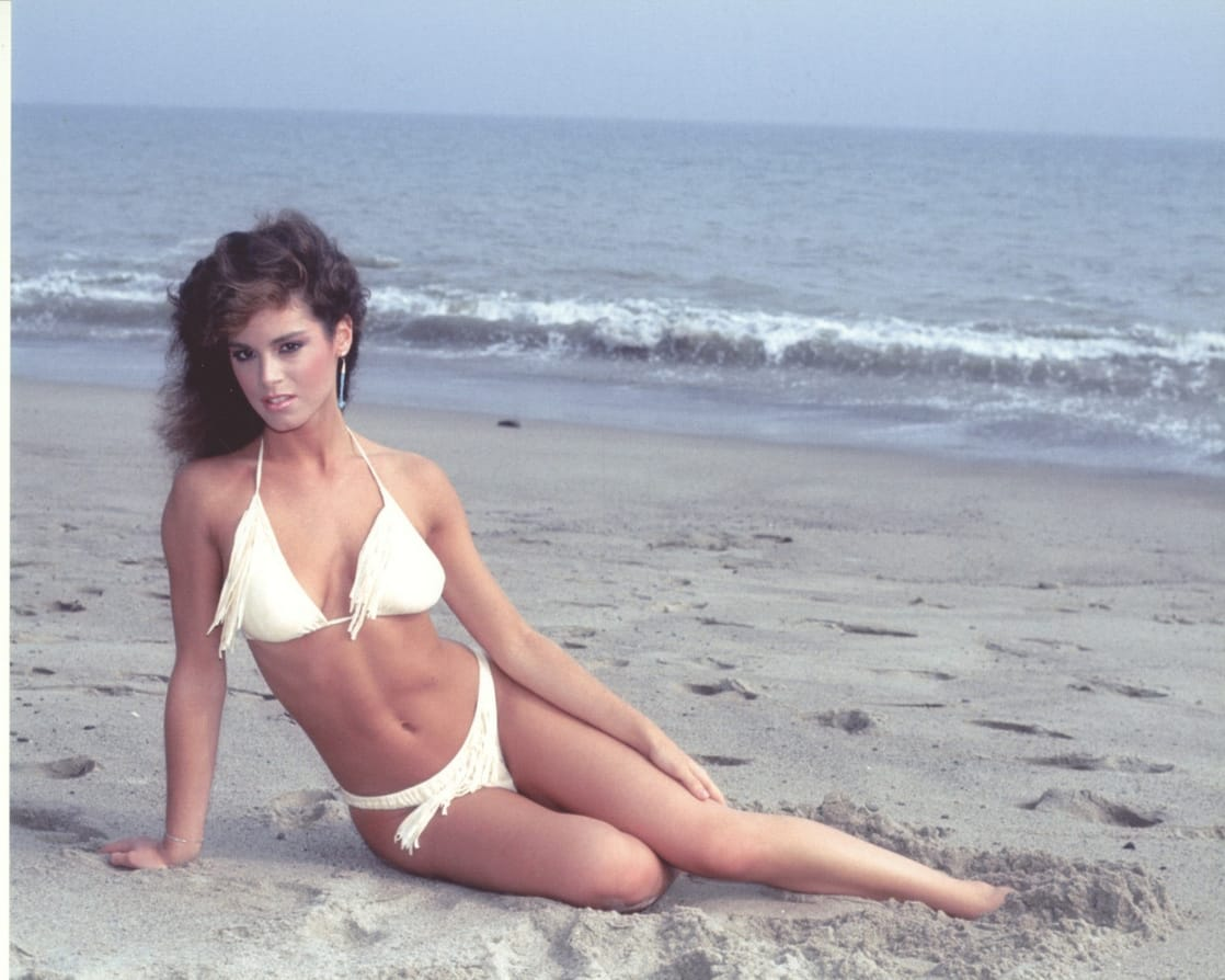 Betsy Russell sexy bikini pictures