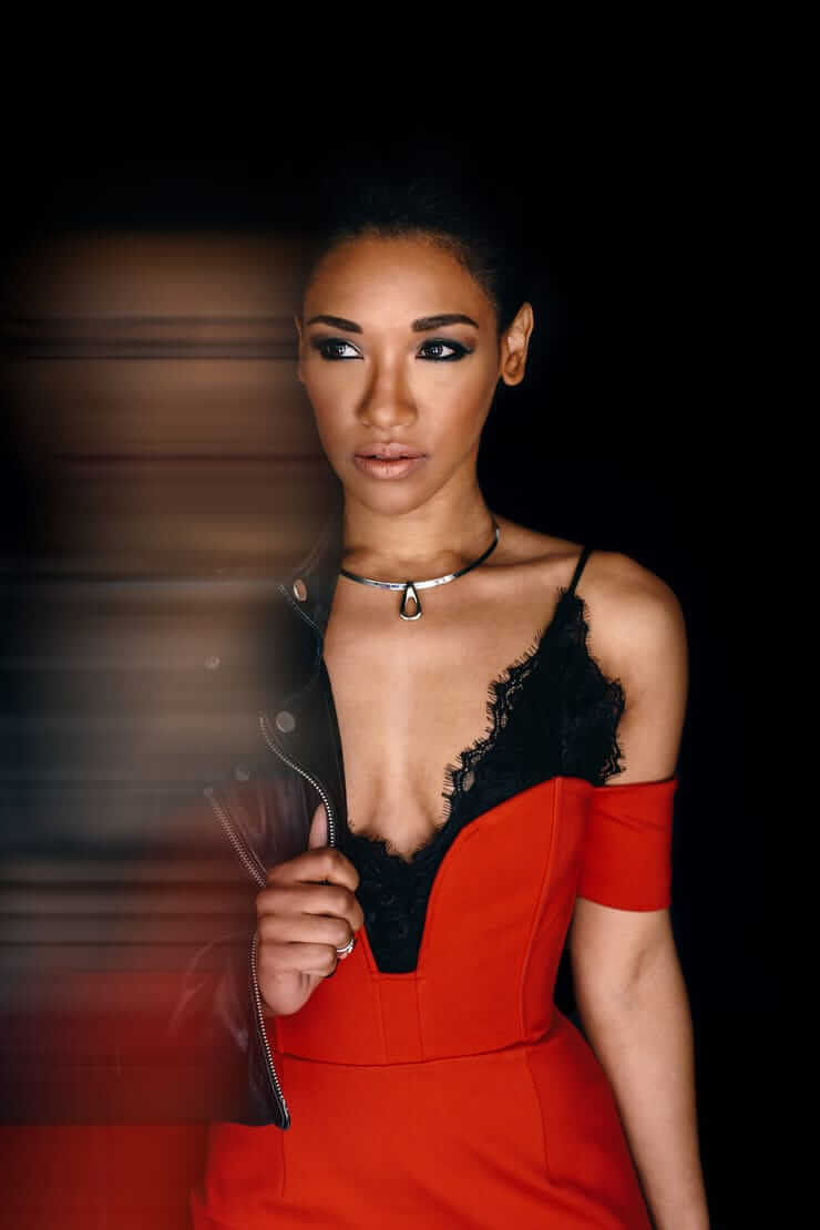Candice Patton hot look pic
