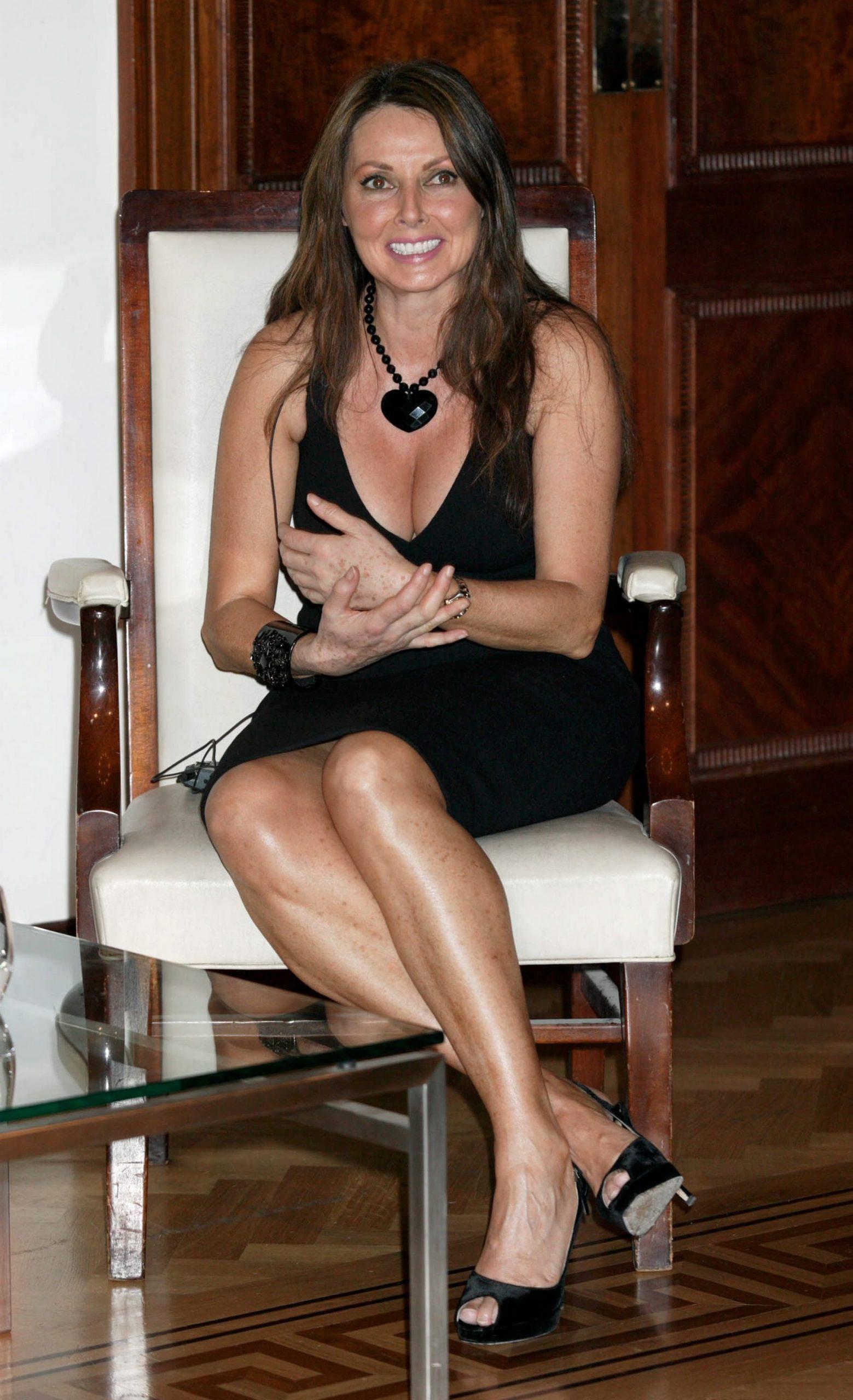 Carol Vorderman cleavage pics