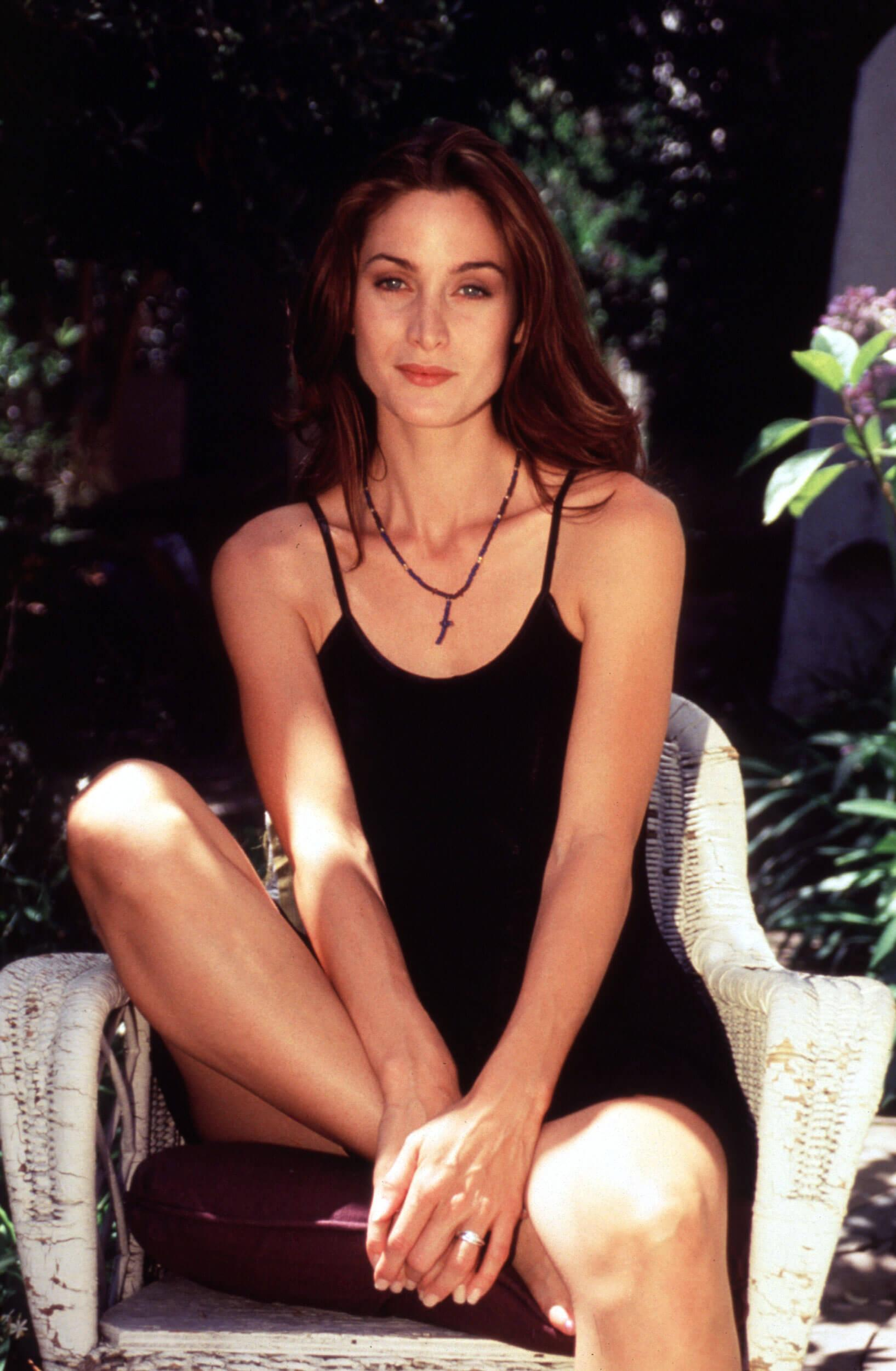 Carrie Anne Moss hot pics