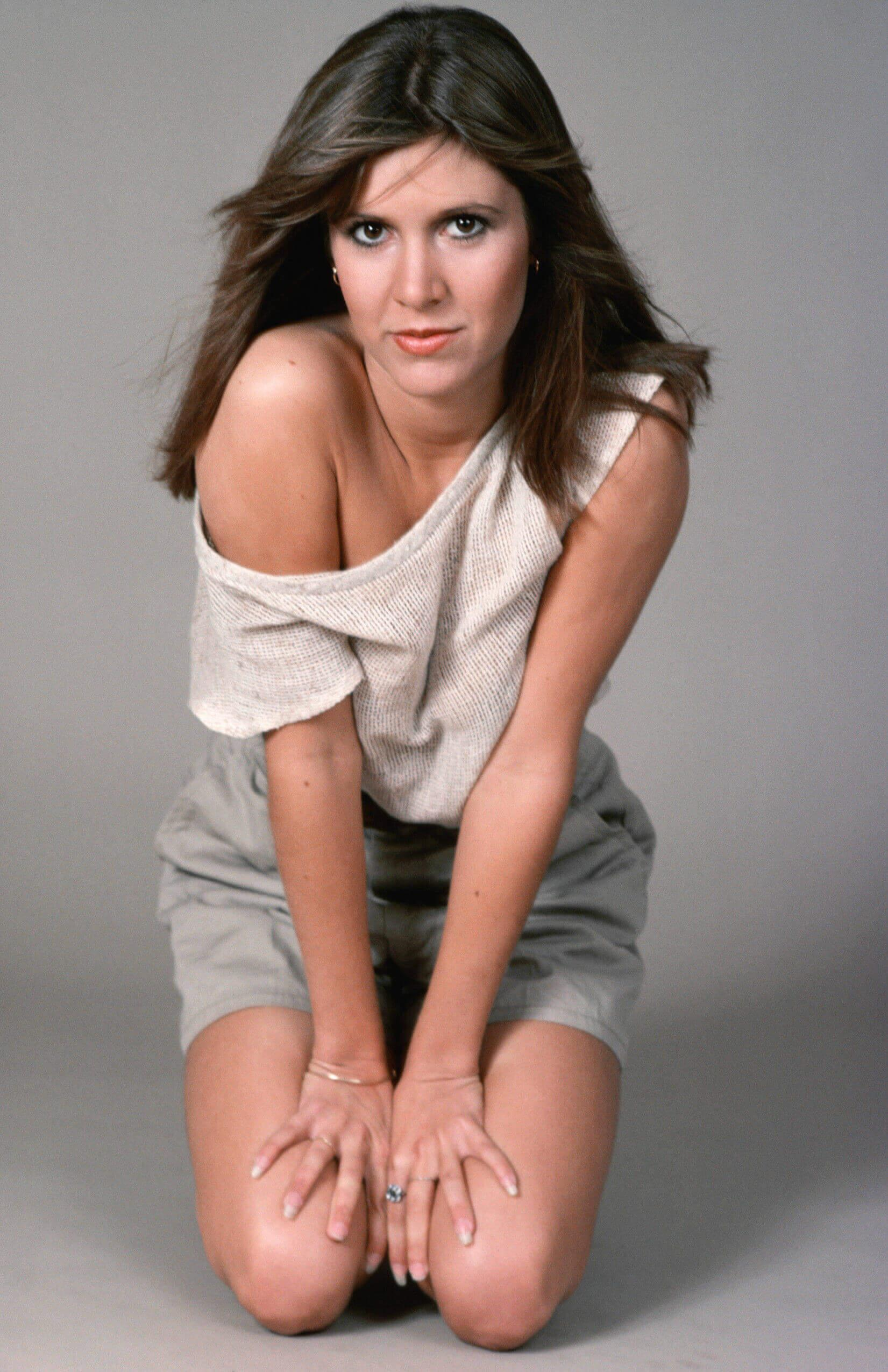 Carrie Fisher hot look pics