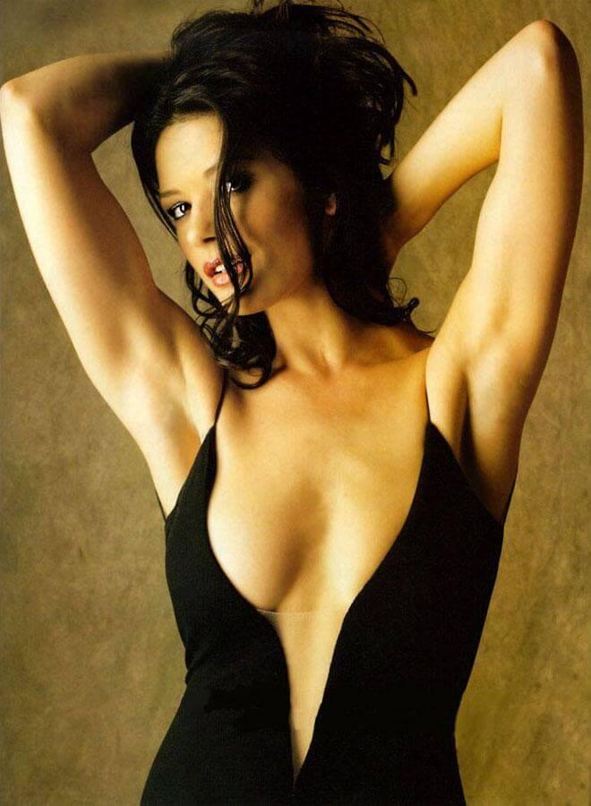 Catherine Zeta-Jones cleavage pics