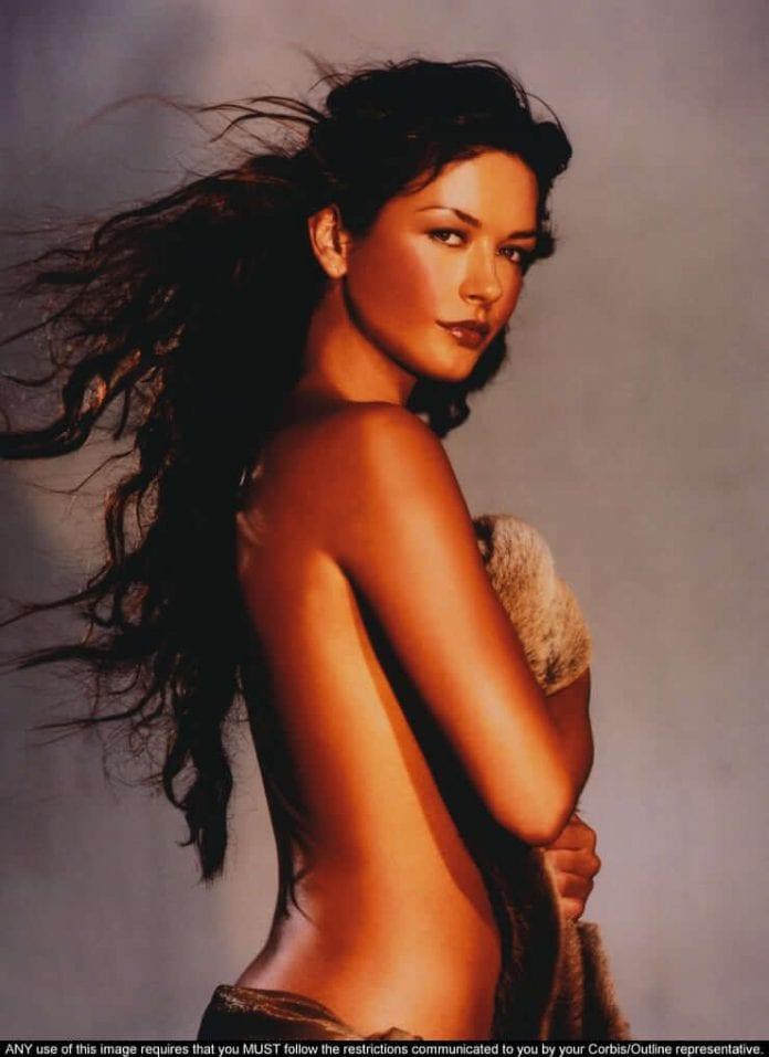 Catherine Zeta-Jones topless pics