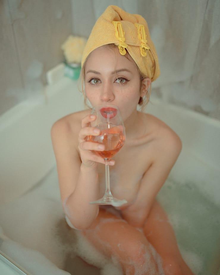 Caylee Cowan sexy near nude pic