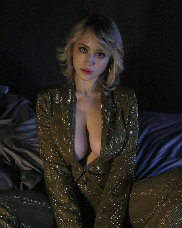 Caylee Cowan sexy photo