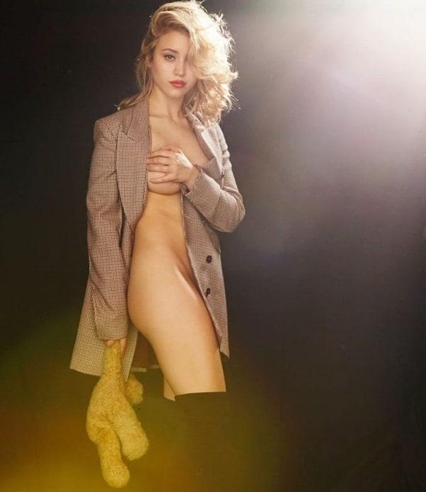 Caylee Cowan sexy topless pic