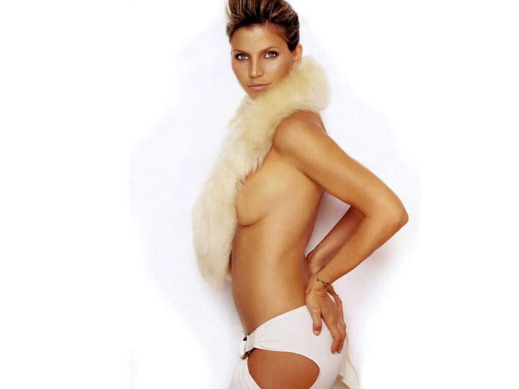 Charisma Carpenter hot side boobs pics